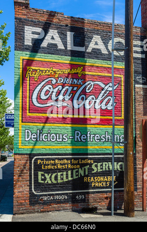 Old coca cola advertising on a brick wall philadelphia for Coca cola wall mural