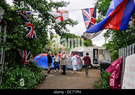 Belfast, Northern Ireland. 10th August 2013 - Loyalists set up a protest camp at Twaddell Avenue to enable a 24 - Stock Photo