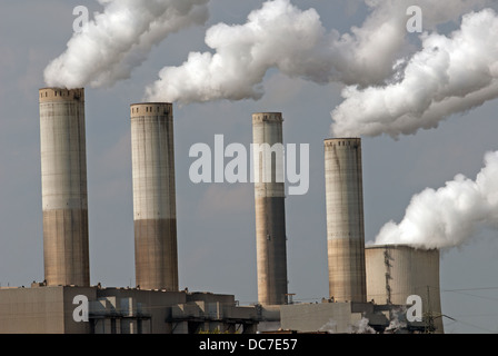 Ignite (brown coal) fired power station - Stock Photo