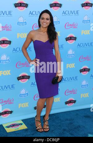 Universal City, CA. 11th Aug, 2013. Michelle Rodriguez at arrivals for TEEN CHOICE Awards 2013 - Part 2, Gibson - Stock Photo