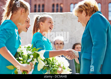 Berlin, Germany. 13th August, 2013. On the occasion of the 52 Anniversary of the start of the constructing of the - Stock Photo