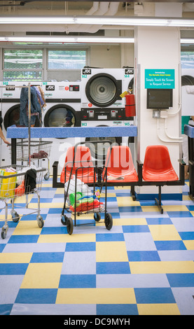 A laundry room in an apartment building in New York on Friday, August 9, 2013. (© Richard B. Levine) - Stock Photo