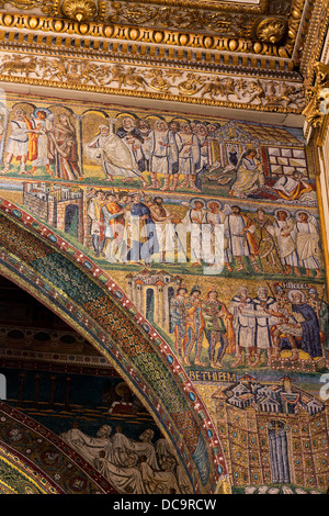 Mosaics On The Arch Of The Nave Basilica Di Santa Maria