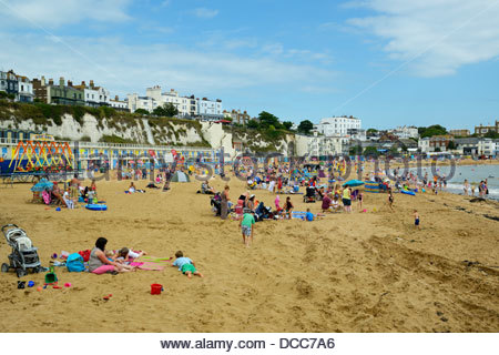Holiday makers on the beach, Viking Bay, Broadstairs, Kent, England UK - Stock Photo