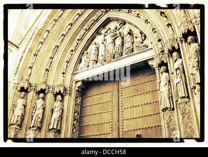 Puerta de los Apóstoles (Apostles´ Gate, made in early 14 century), cathedral of Valencia (construction started - Stock Photo