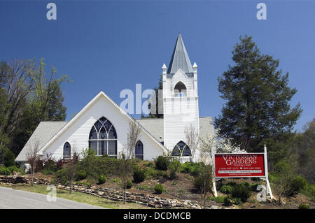 the victorian gardens wedding chapel in pigeon forge tennessee usa stock photo