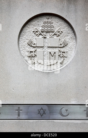 Symbols of the main Abrahamic religions (Christianity, Judaism and Islam) and Maryland coat of arms, Baltimore, - Stock Photo
