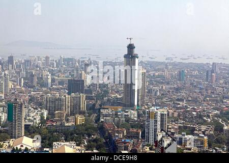 November 2, 2010 - Mumbai, Maharashtra, India - Ariel view of the Skyline of  Mumbai shows newly constrcuted luxury - Stock Photo