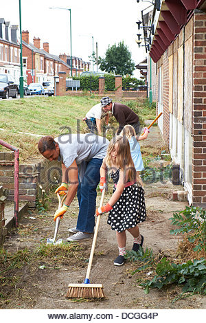 Nottingham, UK. 17th Aug, 2013. All ages help with the work of bringing a derelict pub back into use.  The Beacon - Stock Photo