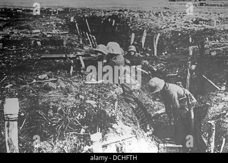 Trench warfare during First World War - Stock Photo