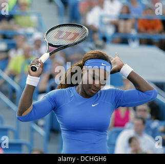 Mason, Ohio, USA. 18th Aug, 2013. SERENA WILLIAMS of the USA reacts to a bad play during the women's singles finals - Stock Photo