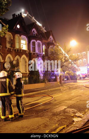 Waltham Forest, London, UK. 20th Aug, 2013. Tuesday 20th August 2013 Fire severely damages Walthamstow Community - Stock Photo
