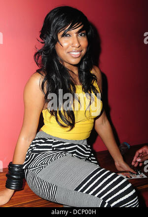 Melanie Fiona at the Gulfstream Casino during the inaugural 'Walk A Mile In Her Shoes Cocktail Party' Hallandale - Stock Photo