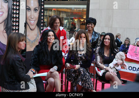 (L-R) Melissa Rivers, Amy Robach, Lester Holt, Jenna Wolfe, Janice Huff and Melissa Francis as the Kardashians filming - Stock Photo