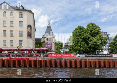 Ganymed brasserie with outdoor area for alfresco dining on the banks of the river Spree - Stock Photo