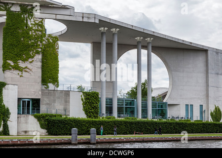 Part of the new modern glass and concrete Bundeskanzleramt (chancellery) - Chancellor's offices - Berlin - Stock Photo