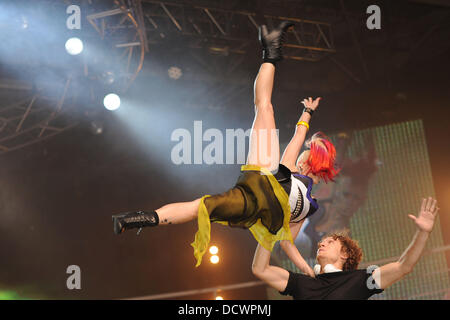 Kimberly Wyatt and Spencer Nezey of Her Majesty & the Wolves Clothes Show Live 2011 at the Birmingham NEC - Day - Stock Photo