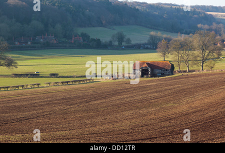 Old agricultural barn in the Hambleden Valley Buckinghamshire England UK - Stock Photo