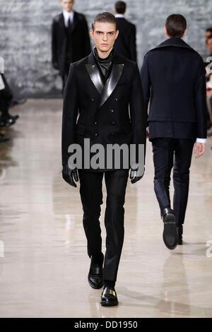74068deb07c Model Paris Fashion Week Menswear A/W 2013 - Yves Saint Laurent - Catwalk  Paris