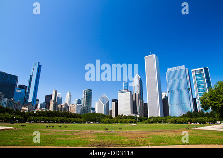 Chicago IL skyline from Grant park - Stock Photo
