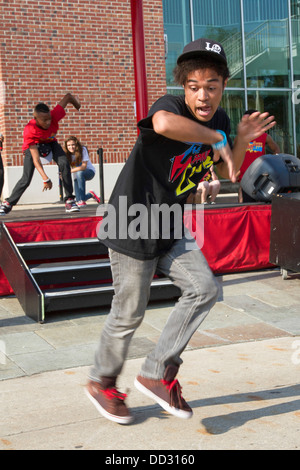 Hip Hop Street performers at Navy pier, Chicago, IL, USA - Stock Photo