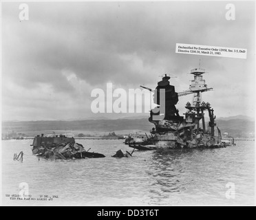USS Arizona (BB39) View from port bow looking aft - - 296939 - Stock Photo