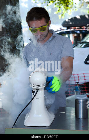 Stonyhurst College, Clitheroe, UK. 26th August, 2013. Freezing Ice cream with Nitrogen at the Great British Food - Stock Photo