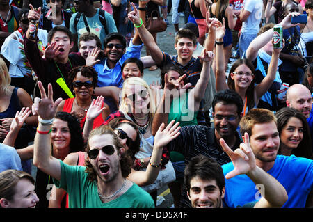Notting Hill, London, UK. 25th Aug, 2013. London UK 26th August 2013 : Attendees screams and cheering at the 'Genesis' - Stock Photo