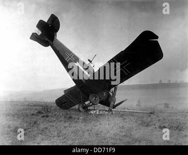 German plane shot down in the Argonne by American machine gunners. Between Montfaucon and Cierges, France. World - Stock Photo
