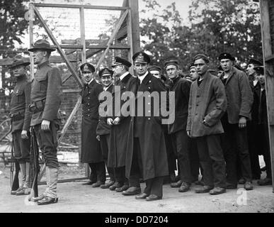 Officers and crew of the German submarine U.58, captured by the USS Fanning. They are entering the War Prison Camp - Stock Photo