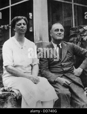 Governor Franklin and Eleanor Roosevelt in Warm Springs, Georgia. 1930. (BSLOC_2013_5_191) - Stock Photo