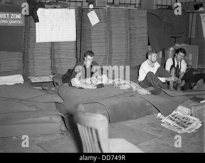 Sit-down strikers in the General Motors Fisher body plant in Flint, Michigan. 1933. Sleeping quarters for striking - Stock Photo