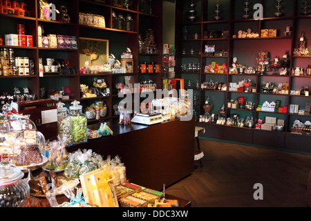 chocolate bars on display in chocolat bonnat in frankfurt am main stock photo 59887638 alamy. Black Bedroom Furniture Sets. Home Design Ideas