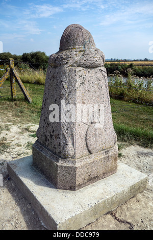 Belgian First World War One demarcation stone along the river IJzer / Yser at Diksmuide, West Flanders, Belgium - Stock Photo