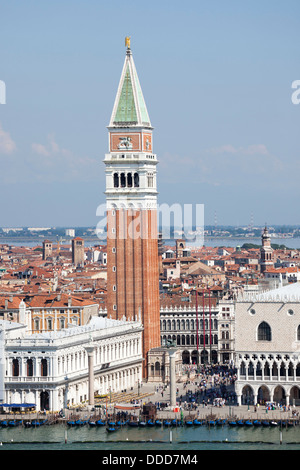 At Venice, the St Mark's Square, Doge's Palace and a part of the lagoon.  A Venise, la place St Marc, le palais - Stock Photo