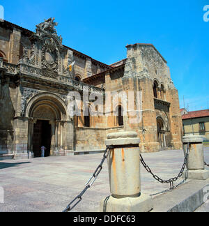 Romanesque basilica of San Isidoro, Leon. Castilla-Leon, Spain - Stock Photo