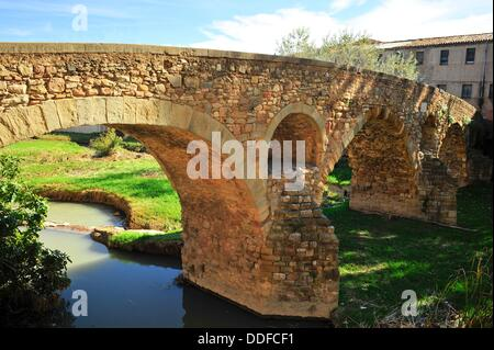 Pont de Queralt sobre el río Mèder, siglo XI, Vic, Osona, Barcelona, Catalunya, España - Stock Photo