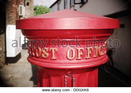 Victorian Post Office posting box, in the High Street, Eton, Berkshire, UK. - Stock Photo