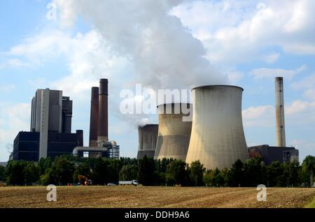 The RWE brown coal power plant Weisweiler in Weisweiler, a district of Eschweiler, North Rhine-Westphalia. Picture - Stock Photo