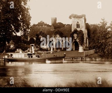 Medmenham Abbey Victorian period - Stock Photo
