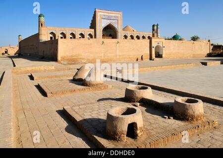Muhammad Rakhim Chan Madrassah, Ichan Kala, historic adobe oldtown of Khiva, Chiva, Silk Road, Unesco World Heritage - Stock Photo