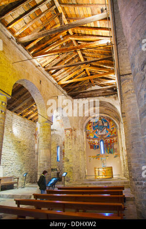 Pantocrator christ in majesty romanesque mural painting for Church mural painting
