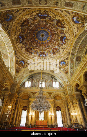 Muayede Salonu (Ceremonial Hall), Dolmabahce Palace, Istanbul, Turkey - Stock Photo