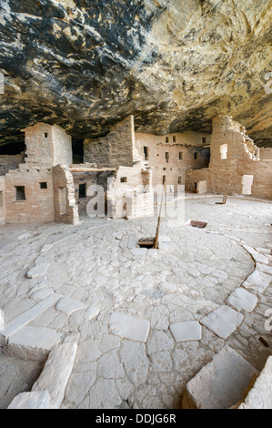 Spruce Tree House ruins, ancient Anasazi pueblo dwellings, Mesa Verde National Park, Cortez, USA - Stock Photo
