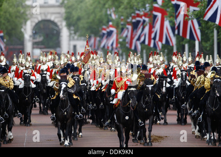 Britain Royal Family Trooping the Colour 2013 - Stock Photo
