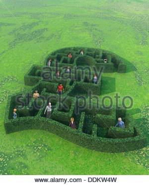 People lost in British pound labyrinth - Stock Photo