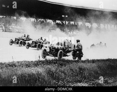 Indianapolis 500 Mile Race, Indiana, USA, early 1920s. Artist: Unknown - Stock Photo