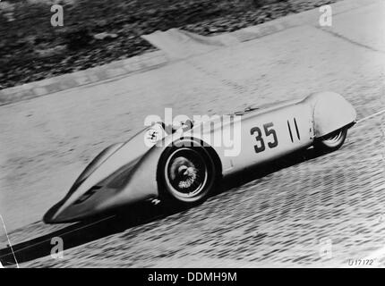 Mercedes Streamliner car of Rudolf Caracciola in the Avusrennen race, Berlin, Germany, 1937. Artist: Unknown - Stock Photo