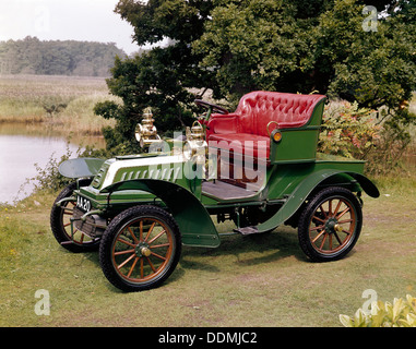 A 1903 De Dion Bouton Model Q. Artist: Unknown - Stock Photo