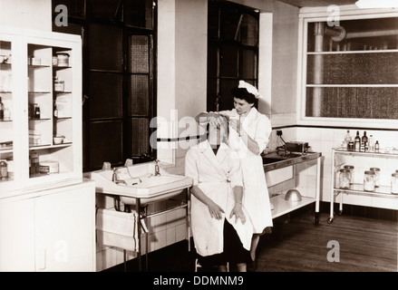 Surgery 1950s Stock Photo 95881088 Alamy